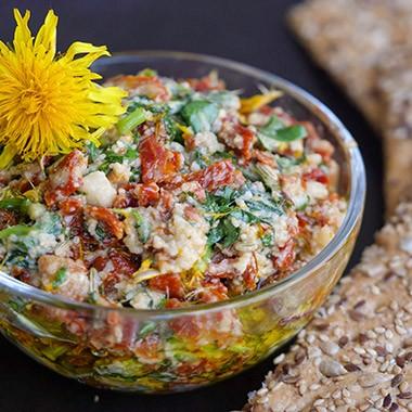 Löwenzahn-Tomaten-Pesto