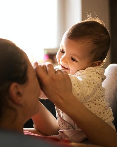 An der Mutterbrust Vertrauen lernen