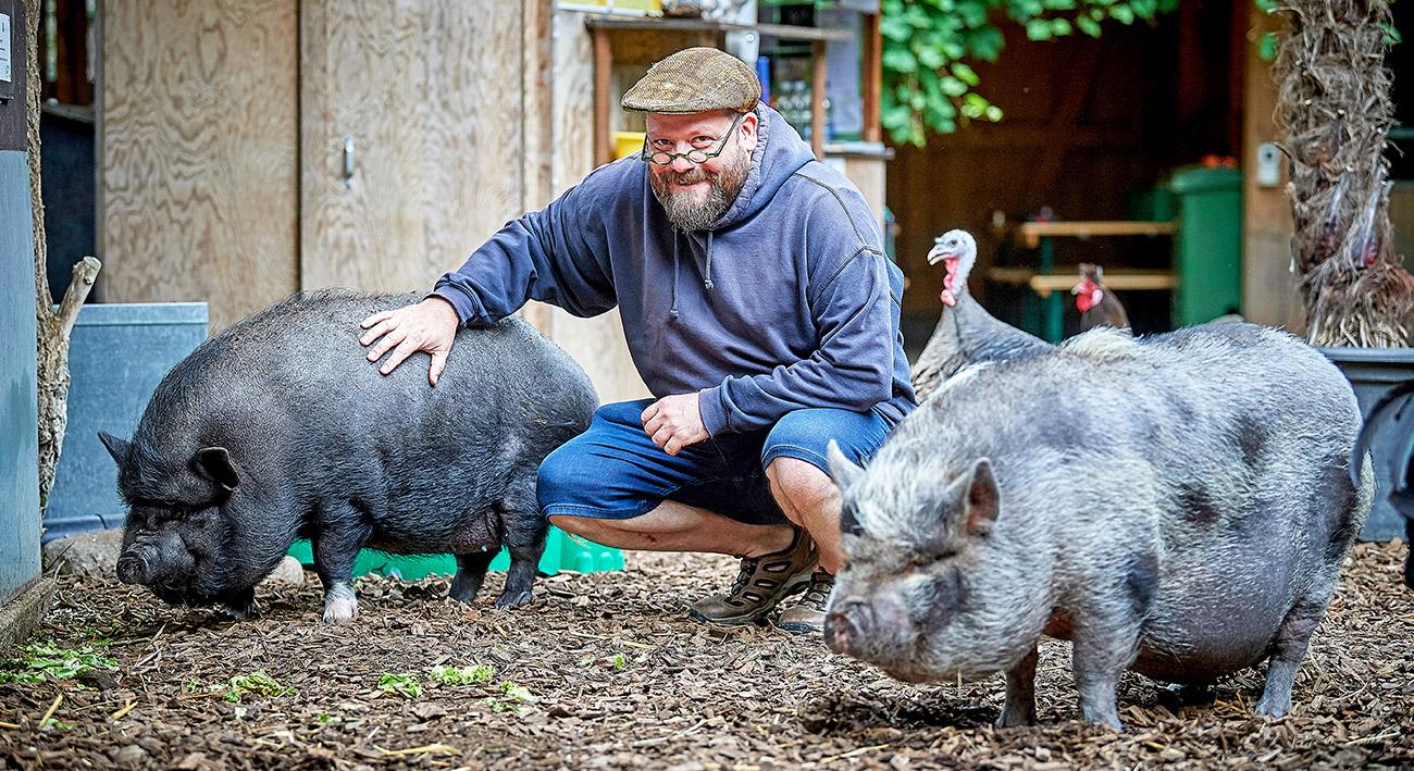 """Beziehung zu Tieren? """"Johns kleine Farm""""!"""